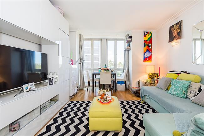 £2,058  per Calendar Month (Calculated), 1 Bedroom Apartment To Rent in London, SW10