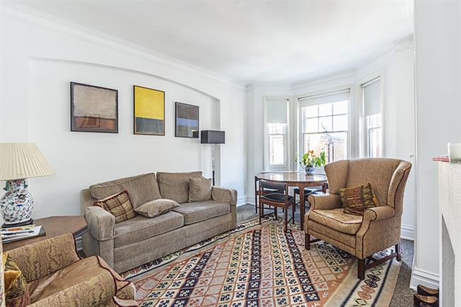 £2,058  per Calendar Month (Calculated), 2 Bedroom Flat To Rent in London, SW10