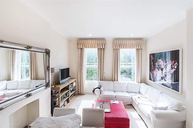 £2,383  per Calendar Month (Calculated), 2 Bedroom Flat To Rent in London, SW7