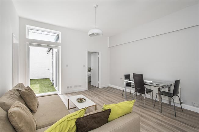 £2,383  per Calendar Month (Calculated), 2 Bedroom Flat To Rent in London, SW10