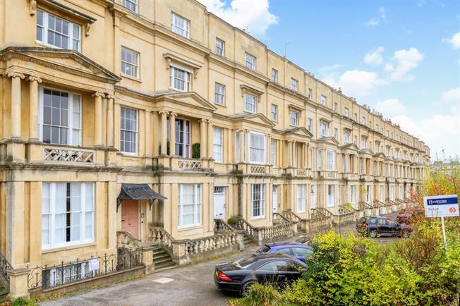£675 per Calendar Month, 1 Bedroom Apartment To Rent in Cheltenham, GL50