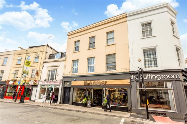 £1,625  per Calendar Month (Calculated), 1 Bedroom Apartment To Rent in Cheltenham, GL50