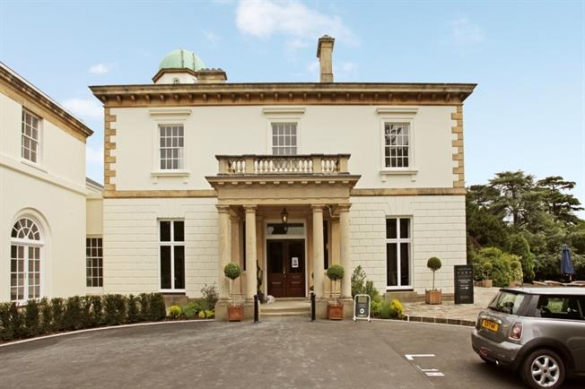 £3,000 per Calendar Month, 3 Bedroom Duplex Apartment To Rent in Cheltenham, GL53