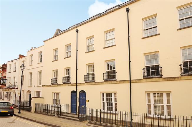 £750 per Calendar Month, 2 Bedroom Apartment To Rent in Cheltenham, GL50