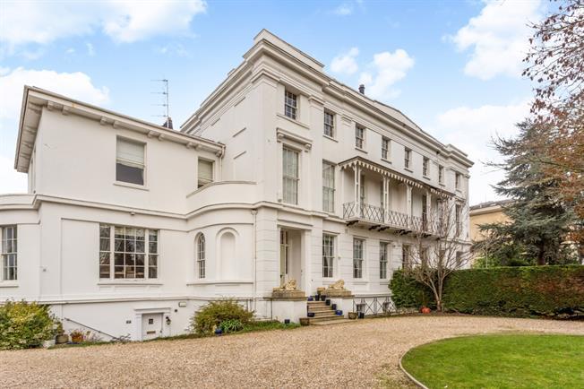 £1,995 per Calendar Month, 2 Bedroom Apartment To Rent in Cheltenham, GL50