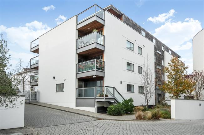 £1,950  per Calendar Month (Calculated), 2 Bedroom Apartment To Rent in Cheltenham, GL50