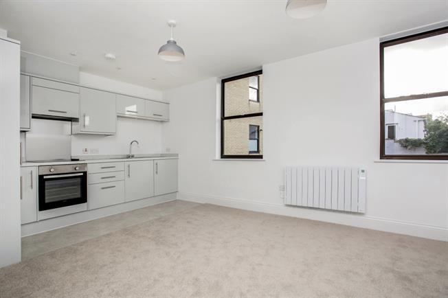 £725 per Calendar Month, 1 Bedroom Apartment To Rent in Cheltenham, GL53