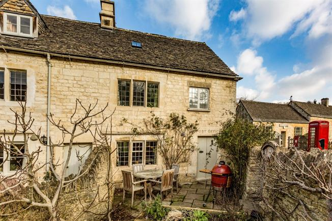 £1,250 per Calendar Month, 3 Bedroom Cottage House To Rent in Sheepscombe, GL6