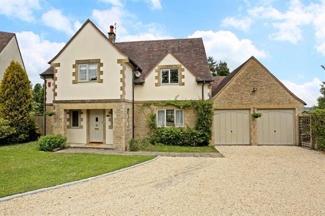 £1,850 per Calendar Month, 4 Bedroom Detached House To Rent in Rodborough Common, GL5