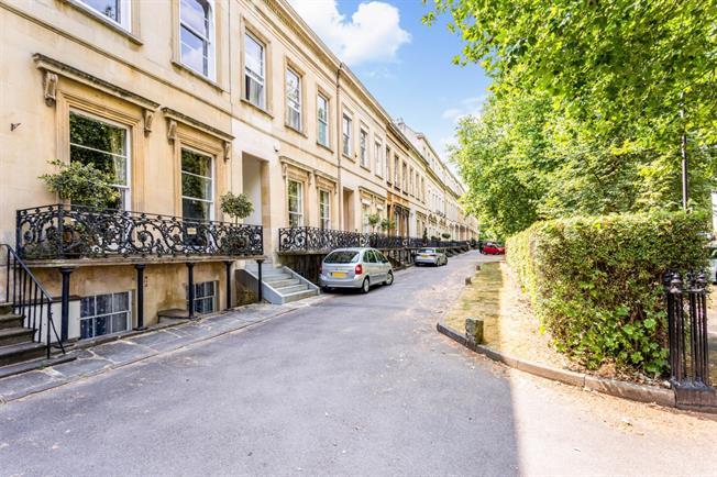 £695 per Calendar Month, 1 Bedroom Apartment To Rent in Cheltenham, GL50