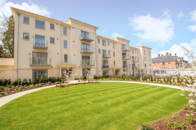 £995 per Calendar Month, 1 Bedroom Apartment To Rent in Cheltenham, GL53