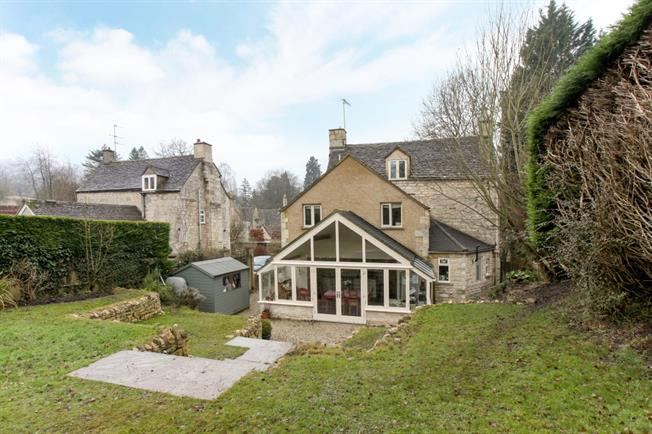 £1,950 per Calendar Month, 4 Bedroom House To Rent in Stroud, Gloucestershire, GL6