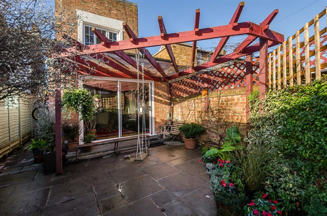 £6,478  per Calendar Month (Calculated), 4 Bedroom Detached House To Rent in London, W4