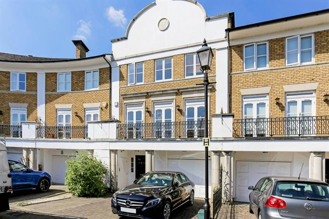 £5,499  per Calendar Month (Calculated), 5 Bedroom Flat To Rent in London, W4