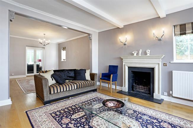 £4,766  per Calendar Month (Calculated), 4 Bedroom Detached House To Rent in London, W4