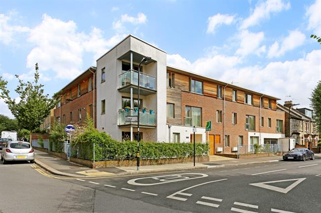 £3,466  per Calendar Month (Calculated), 2 Bedroom Apartment To Rent in London, W4