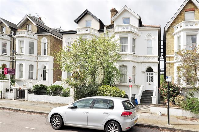 £2,145  per Calendar Month (Calculated), 2 Bedroom Flat To Rent in London, W4