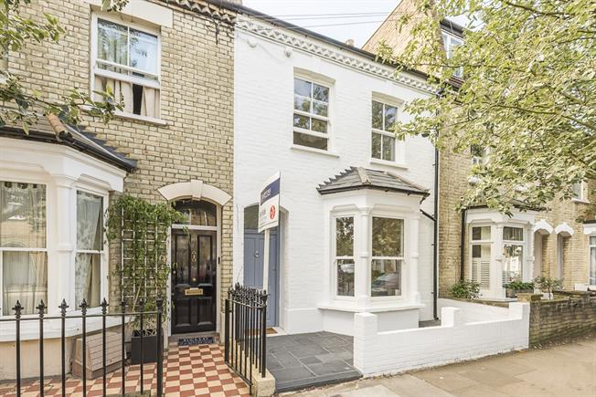 £3,696  per Calendar Month (Calculated), 4 Bedroom Town House To Rent in London, W12