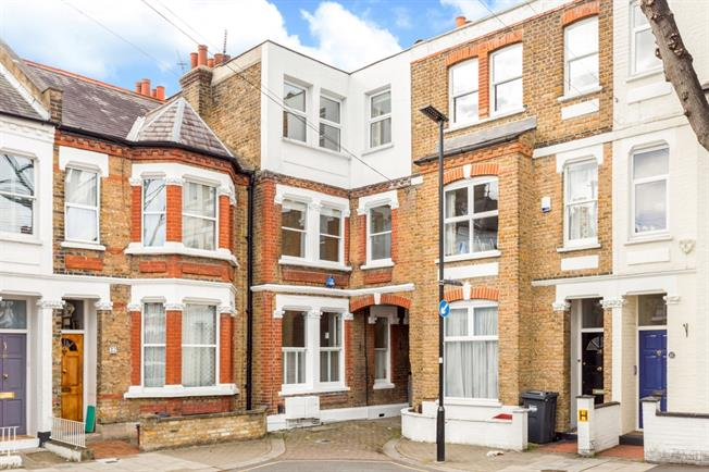 £4,008  per Calendar Month (Calculated), 6 Bedroom End of Terrace House To Rent in London, W4