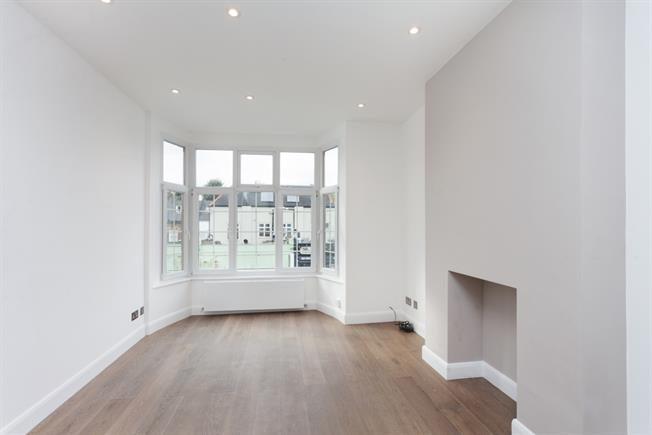 £2,058  per Calendar Month (Calculated), 2 Bedroom Apartment To Rent in London, W4