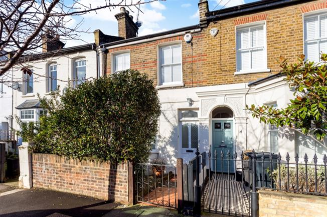 £3,011  per Calendar Month (Calculated), 3 Bedroom Terraced House To Rent in London, W4