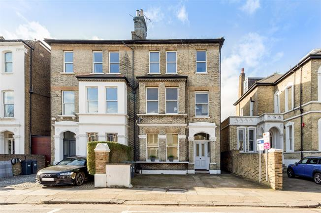 £1,841  per Calendar Month (Calculated), 2 Bedroom Flat To Rent in London, W4