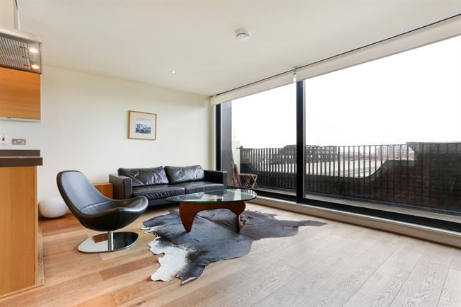 £3,011  per Calendar Month (Calculated), 2 Bedroom Duplex Apartment To Rent in London, W6