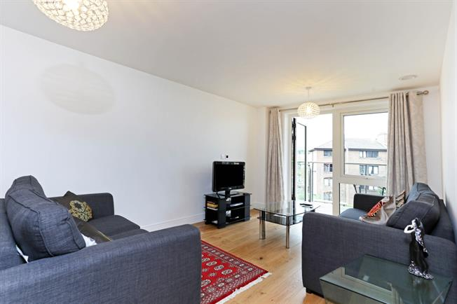 £3,466  per Calendar Month (Calculated), 2 Bedroom Apartment To Rent in Brentford, TW8
