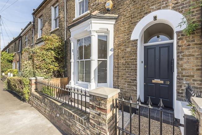 £6,716  per Calendar Month (Calculated), 4 Bedroom House To Rent in London, W4