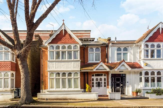 £3,791  per Calendar Month (Calculated), 4 Bedroom End of Terrace House To Rent in London, W4