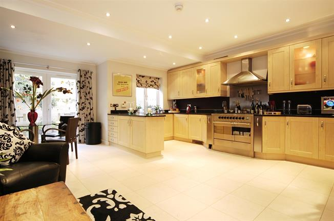 £6,283  per Calendar Month (Calculated), 4 Bedroom Town House To Rent in London, W6