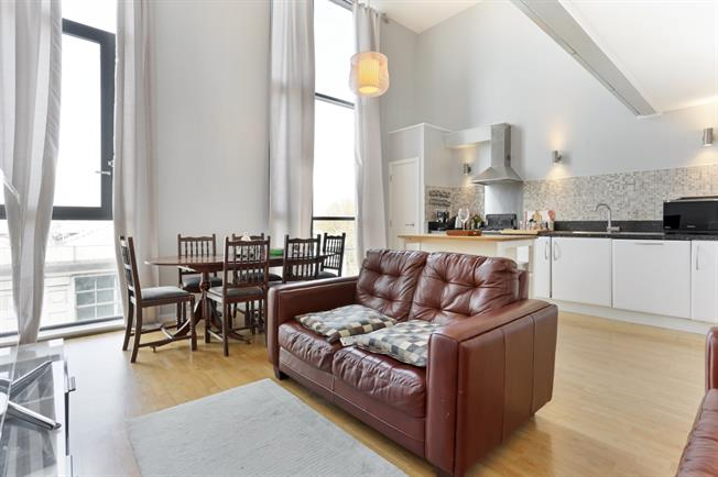 £1,698  per Calendar Month (Calculated), 2 Bedroom Flat To Rent in London, W3