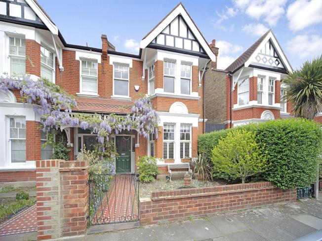 £5,005  per Calendar Month (Calculated), 5 Bedroom Semi Detached House To Rent in London, W4