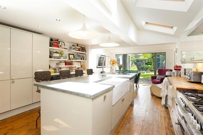 £4,000 per Calendar Month, 4 Bedroom House To Rent in London, W4