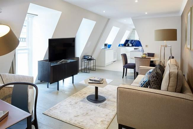 £3,683  per Calendar Month (Calculated), 1 Bedroom Apartment To Rent in London, EC4M