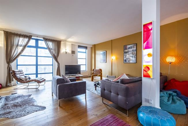 £3,250  per Calendar Month (Calculated), 3 Bedroom Apartment To Rent in London, E2