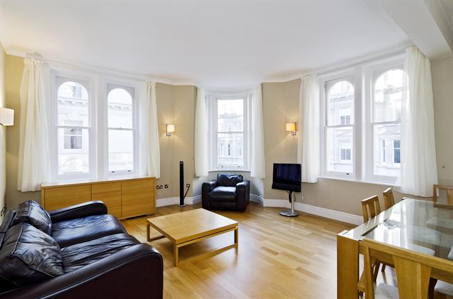 £2,730  per Calendar Month (Calculated), 2 Bedroom Apartment To Rent in London, EC4Y