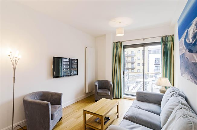£1,993  per Calendar Month (Calculated), 1 Bedroom Apartment To Rent in London, EC1M