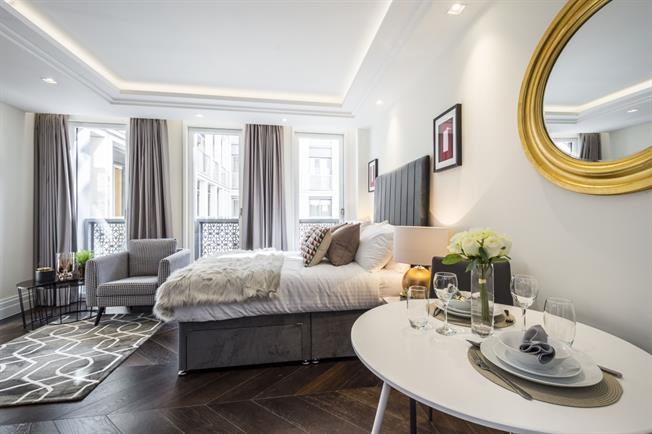 £2,968  per Calendar Month (Calculated), Apartment To Rent in London, WC2R