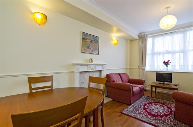 £1,300  per Calendar Month (Calculated), 1 Bedroom Apartment To Rent in London, E1