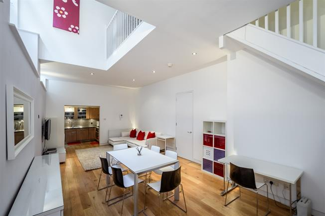 £3,900  per Calendar Month (Calculated), 2 Bedroom Apartment To Rent in London, EC4V