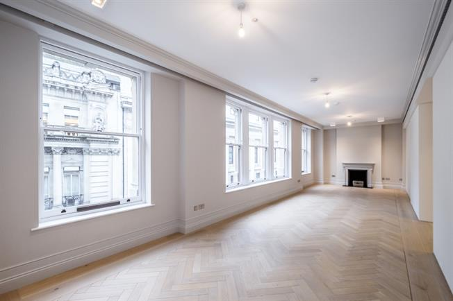 £12,566  per Calendar Month (Calculated), 3 Bedroom Flat To Rent in London, WC2B