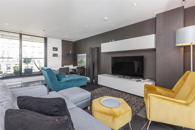 £4,766  per Calendar Month (Calculated), 2 Bedroom Duplex Apartment To Rent in London, E1