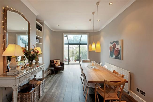 £6,500  per Calendar Month (Calculated), 5 Bedroom House To Rent in London, SW4