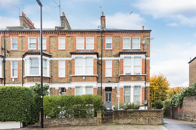 £2,383  per Calendar Month (Calculated), 1 Bedroom Flat To Rent in London, SW4