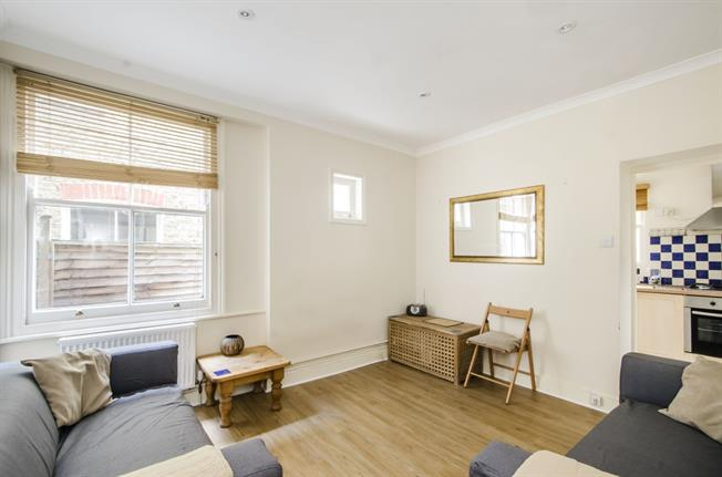 £1,646  per Calendar Month (Calculated), 2 Bedroom Flat To Rent in Clapham, SW4