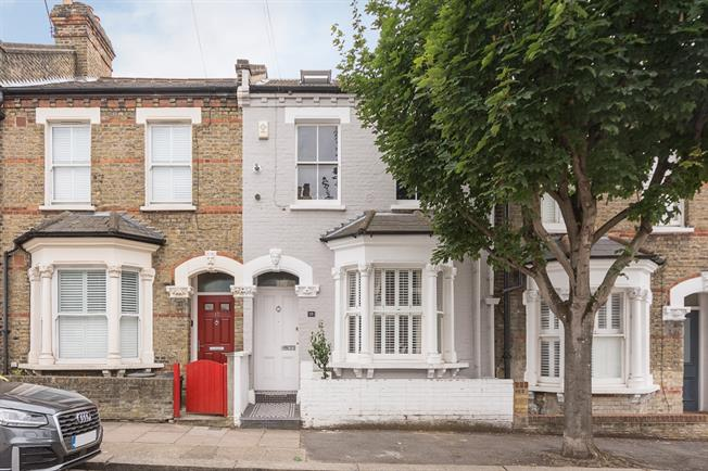 £3,791  per Calendar Month (Calculated), 5 Bedroom House To Rent in London, SW11