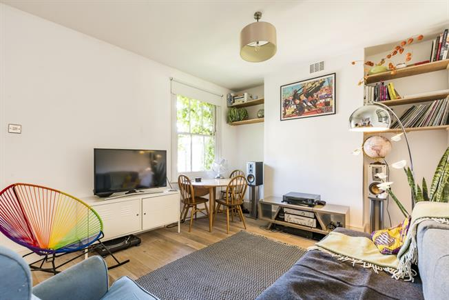 £1,599  per Calendar Month (Calculated), 2 Bedroom Maisonette To Rent in London, SW2