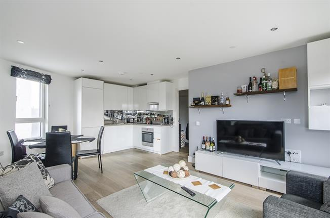 £2,123  per Calendar Month (Calculated), 2 Bedroom Apartment To Rent in Clapham, SW4