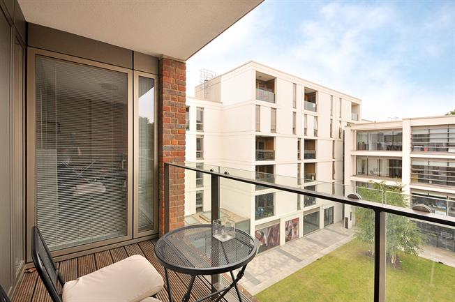 £1,841  per Calendar Month (Calculated), 1 Bedroom Apartment To Rent in Clapham, SW4